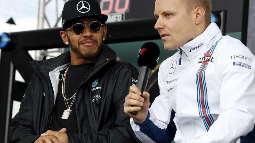 Mercedes concede a Bottas el volante de Rosberg
