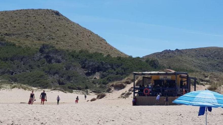 Strandbude in Cala Torta öffnet wieder trotz abgelaufener Lizenz