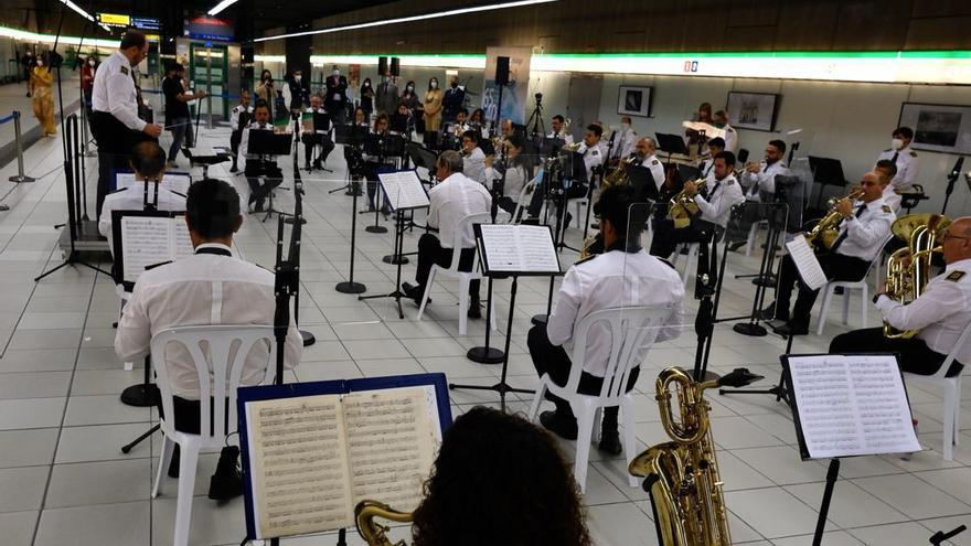 Concierto en el metro de El Perchel con motivo del aniversario del Regional y Materno