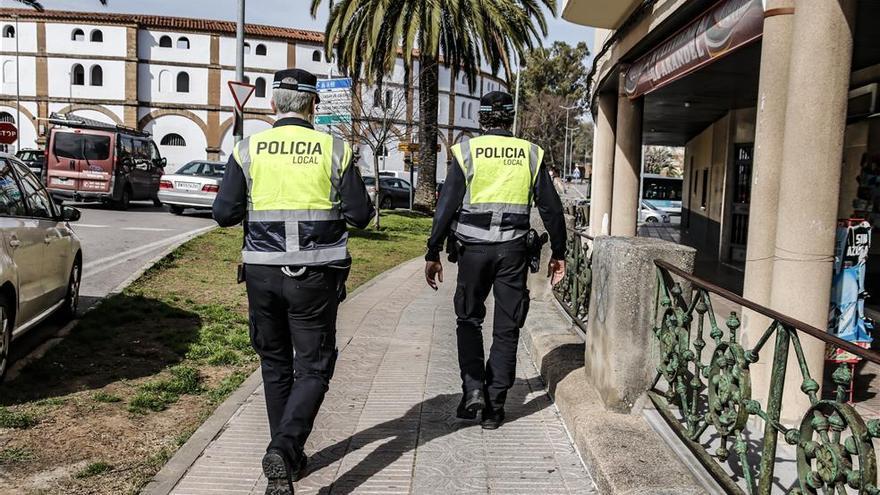 La policía multa a un local de Cáceres donde había 14 personas en una mesa