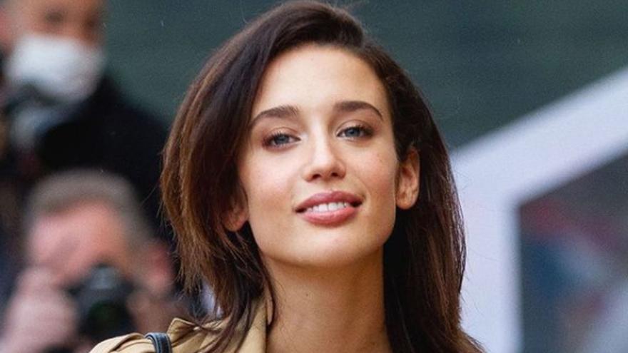 María Pedraza protagoniza 'Las niñas de cristal', lo nuevo de Netflix