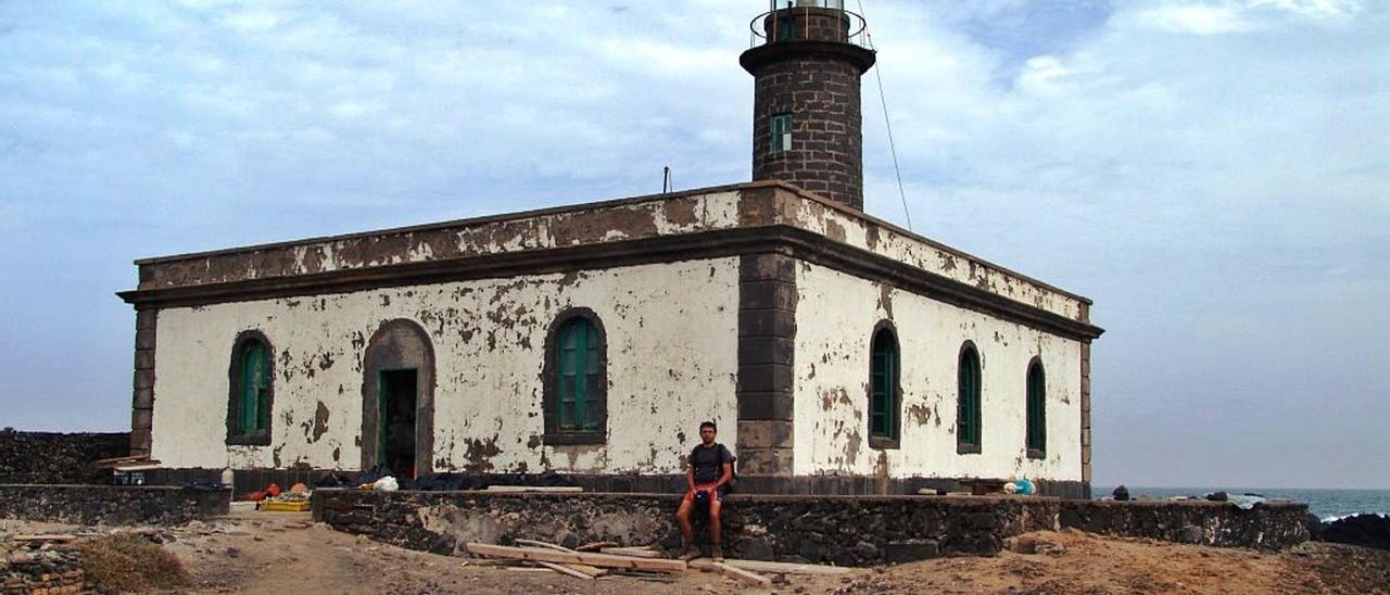 Imagen del faro de Punta Delgada, en el islote de Alegranza. | | LP/DLP