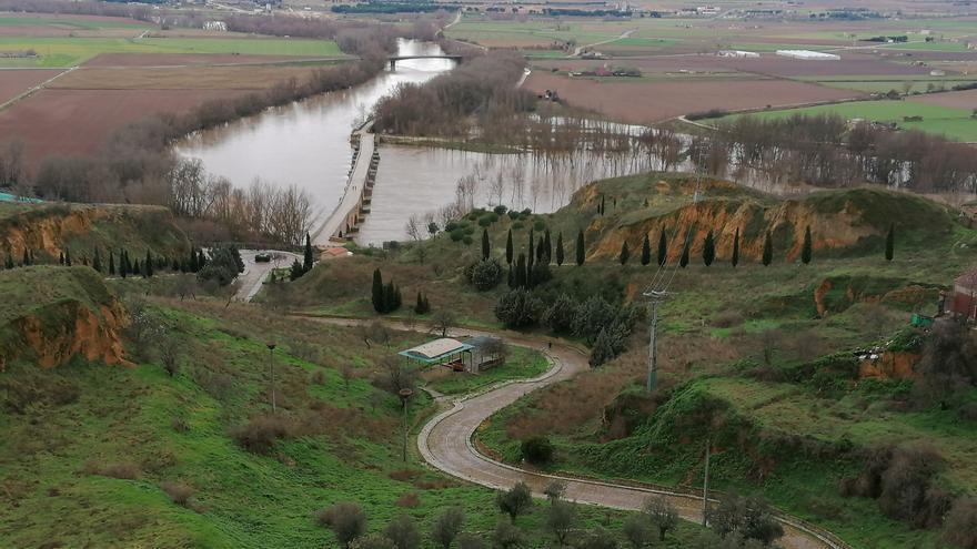 Protección Civil alerta del desbordamiento del Duero a su paso por Toro
