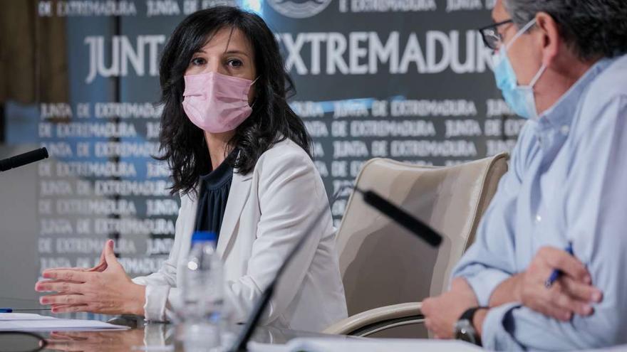 "La Junta valora de ""histórica"" la tasa de paro del 19% en Extremadura"