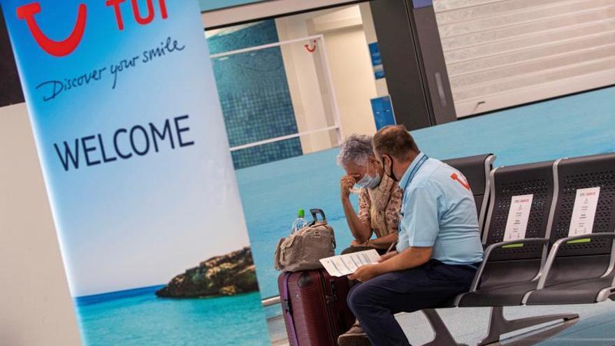 TUI quiere trasladar turistas a Canarias pese a las advertencias
