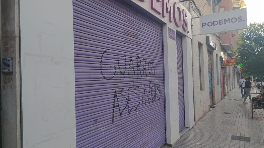 Podemos Elche amanece con pintadas vandálicas en su sede