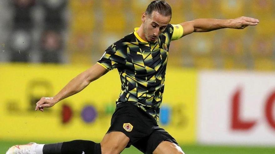 Álex Gálvez durante un partido la temporada pasada con el Qatar SC