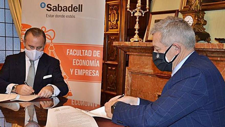 El Banco Sabadell-Herrero y la Universidad crean la cátedra Sabadell de Finanzas