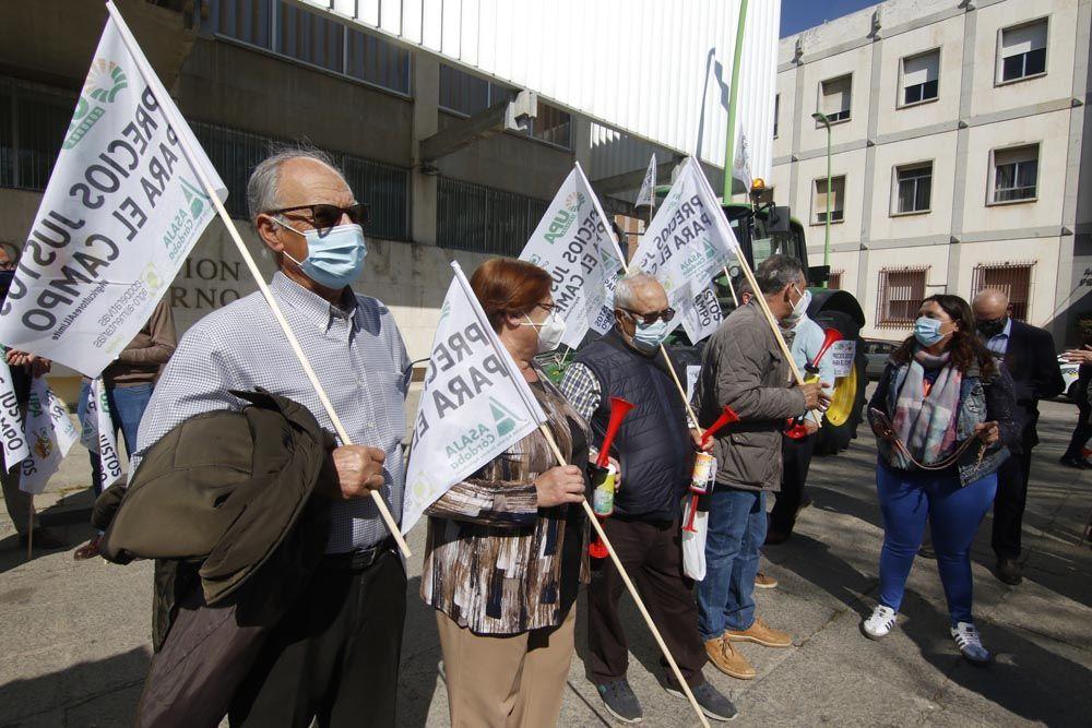 Los agricultores cordobeses protestan por la PAC