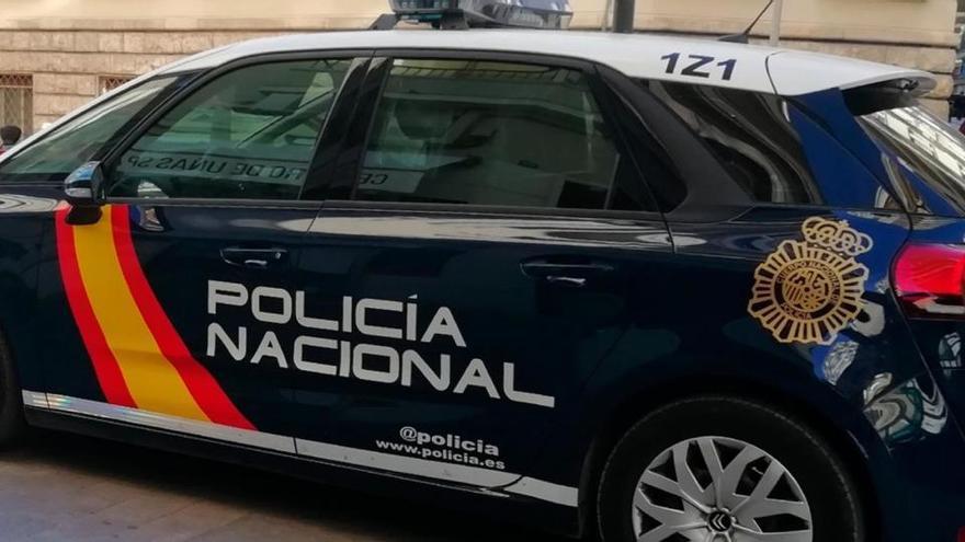 Arranca de un mordisco parte de la oreja a un hombre y lo publica en redes en Alicante