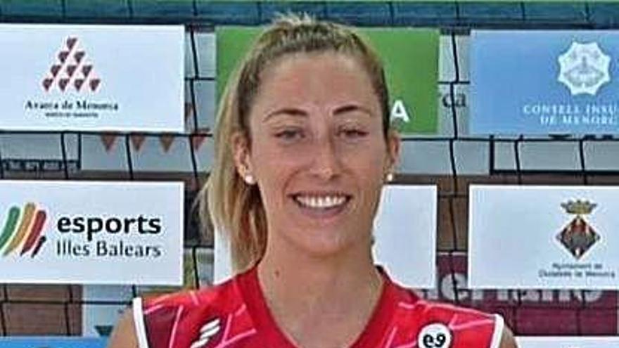 La gijonesa Cristina Lloréns gana la Supercopa con el Menorca