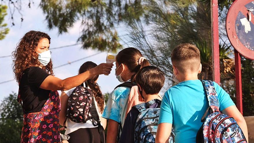 Educación garantiza un refuerzo de más de 1.750 docentes para los centros de la provincia