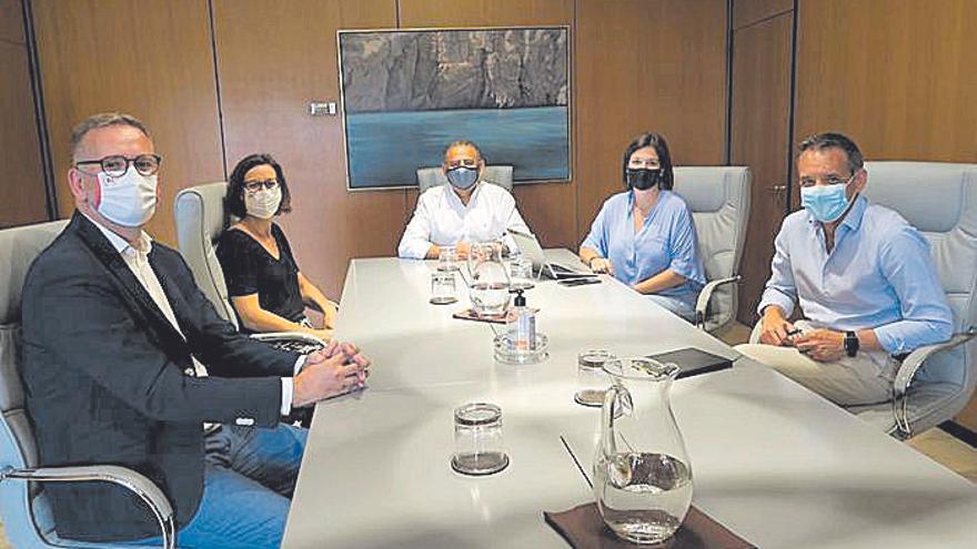 El alcalde de Calvià se reúne con el cónsul británico para analizar la temporada
