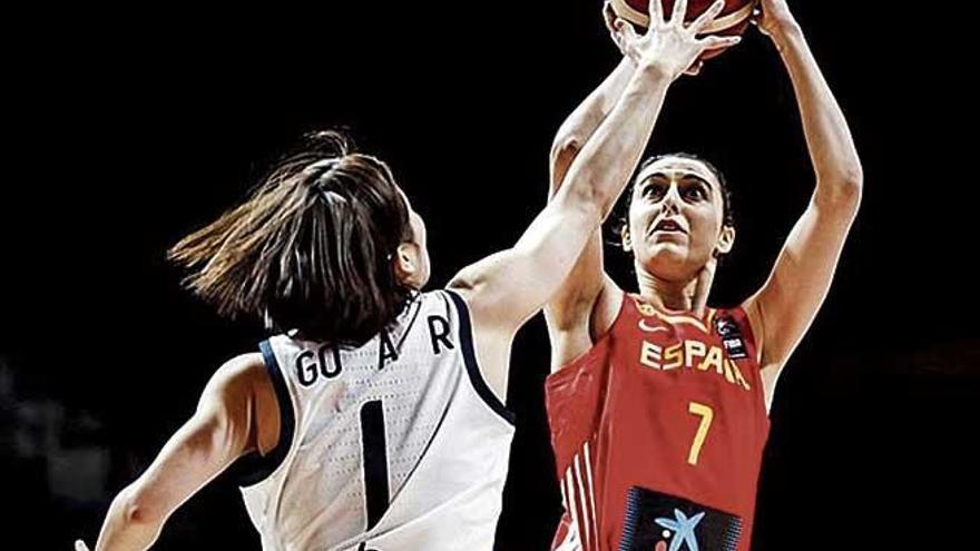 España gana en el regreso de Torrens