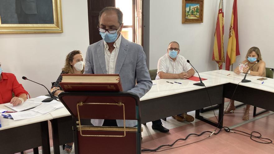 Román Garrigós (PP) sustituye a Domingo Garcia (Compromís) como alcalde de Villalonga