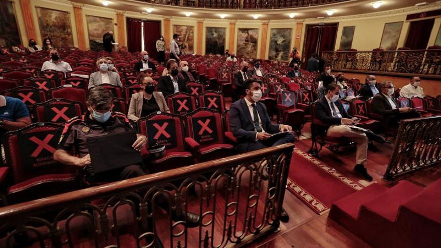 Tenerife prepara un frente común para superar un «momento crítico» de la pandemia