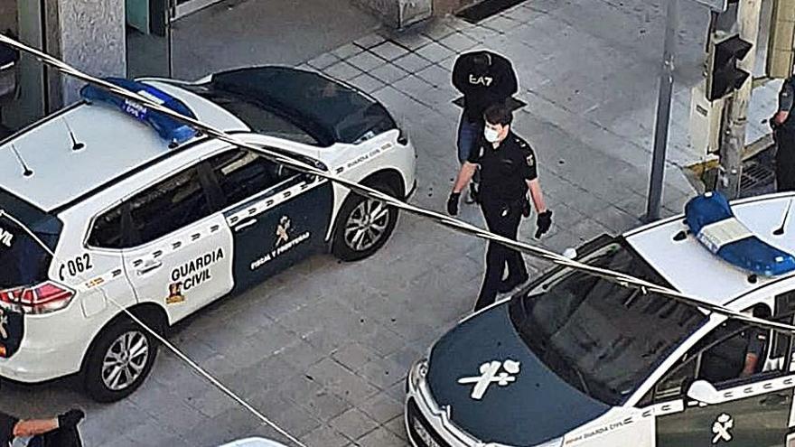 Al menos dos detenidos y tres registros en una operación contra el menudeo de droga en Pontevedra y Poio