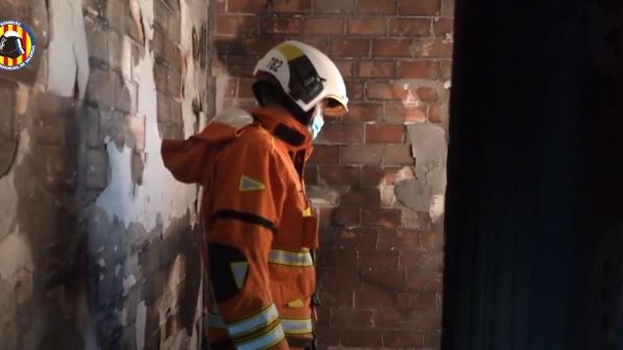 Un nen de 6 anys mor en cremar una casa amb una plantació de marihuana