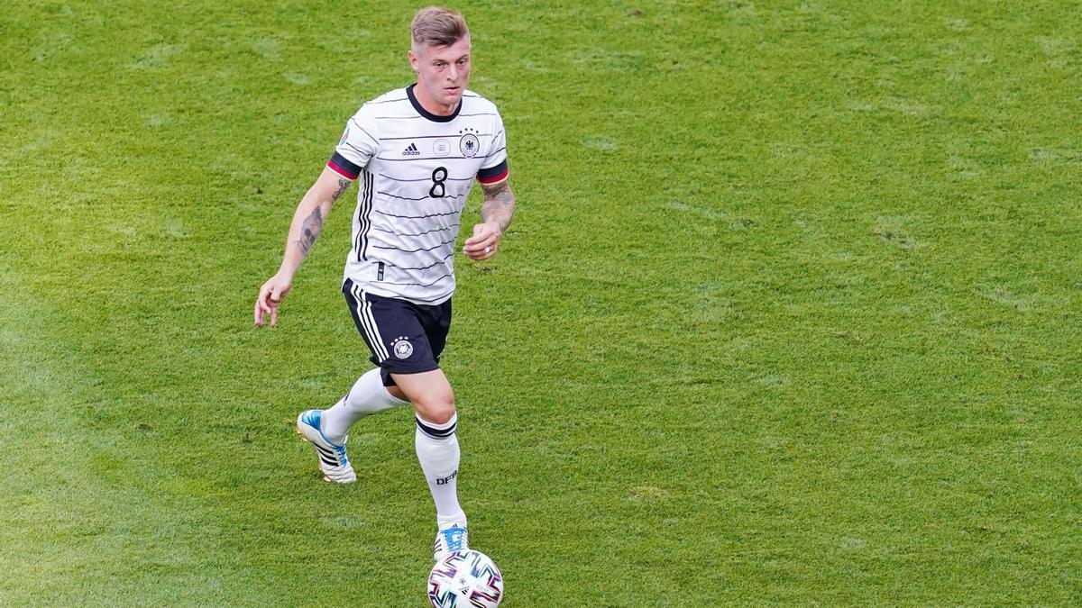 Toni Kroos durante un partido con la selección alemana.