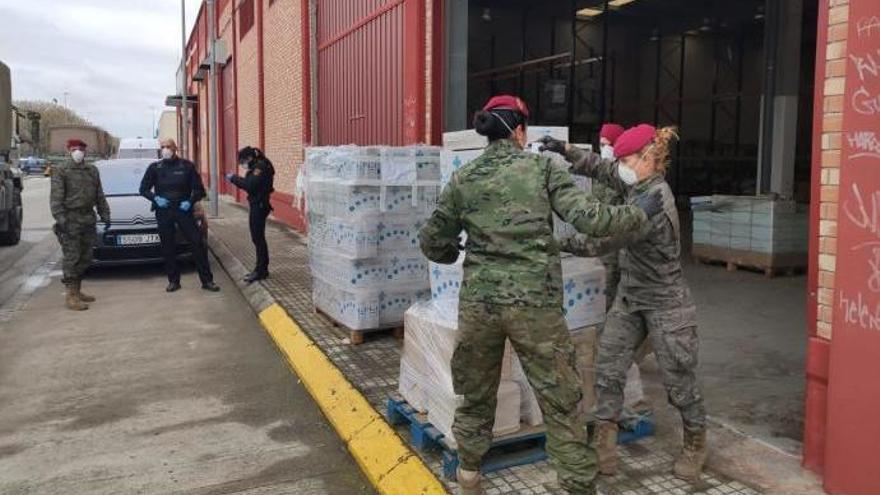 Hallan un almacén cerrado lleno de mascarillas y alcohol sanitario en Alaquàs