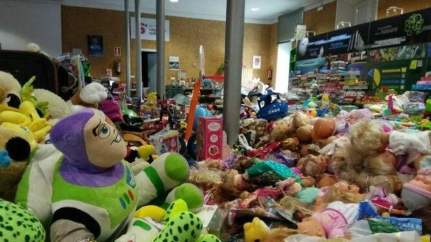 Mercacórdoba organiza una recogida solidaria de juguetes en los mercados municipales