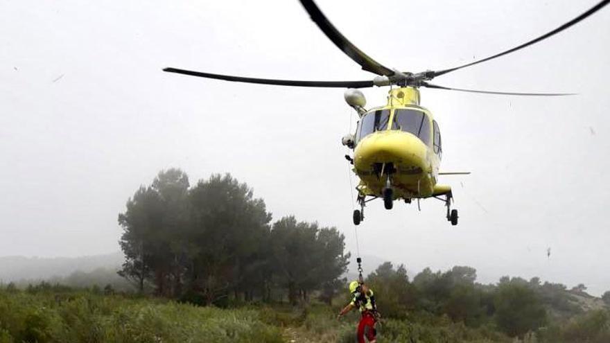 Rescatan en helicóptero a un senderista herido en Alcalà de Xivert