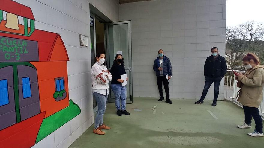 """""""Nos encontramos desamparados"""", dicen los padres sin plaza en la escuela de Posada"""