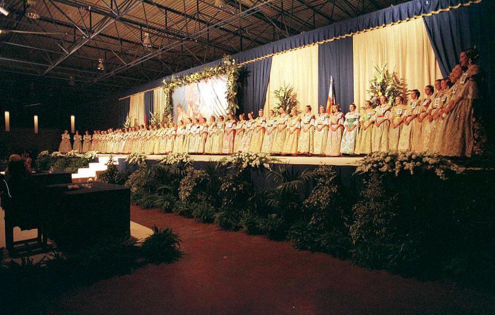 Corte 1998. La elección se celebró por última vez en la Feria de Muestras.
