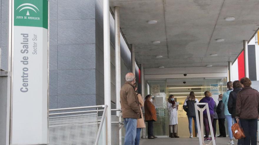 ¿Qué centros de salud abrirán por la tarde en Córdoba este verano?