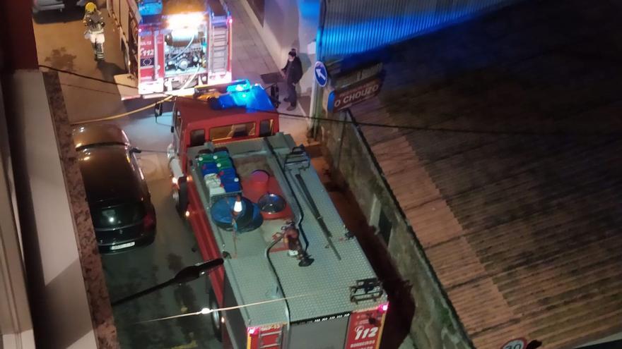 Un incendio en una pandería de Bueu moviliza a los servicios de emergencia