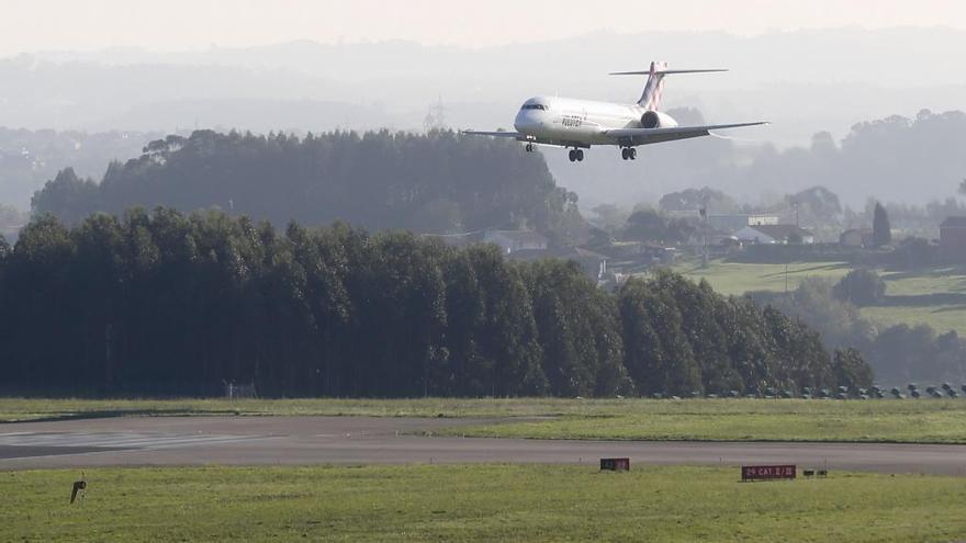 Cuarentena para un vuelo de Ibiza a Asturias por cuatro casos de contagio