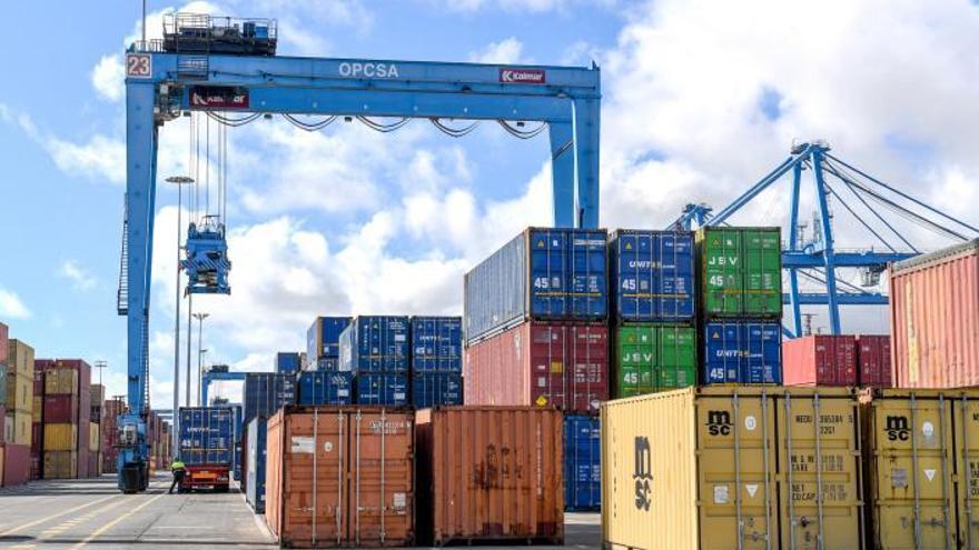 Mercancías, contenedores, pesca y cruceros hacen crecer al Puerto de Las Palmas
