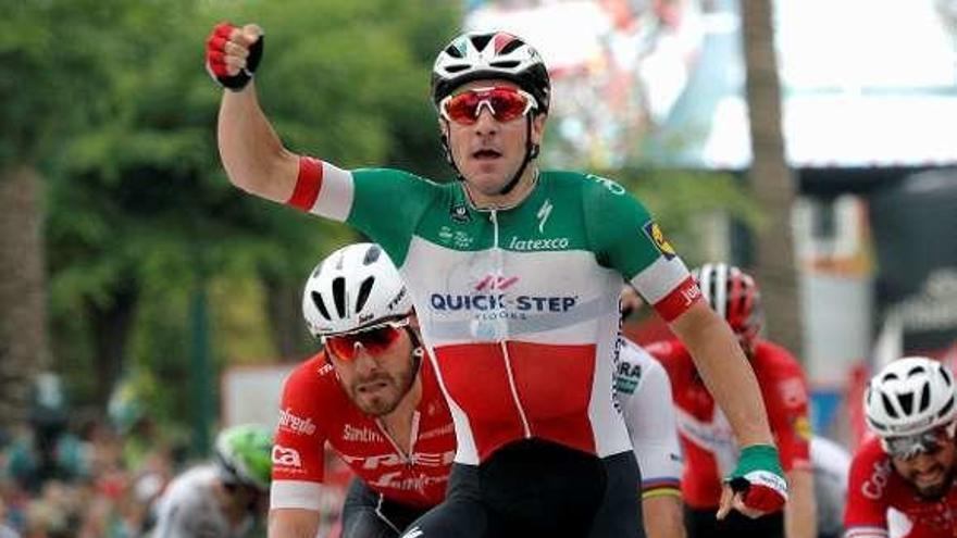 Viviani doblega al sprint a un desacertado Sagan