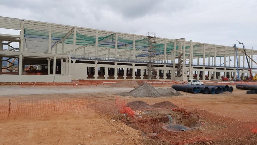 Más de 1.400 personas de toda España buscan empleo en la planta de Amazon en Castellón