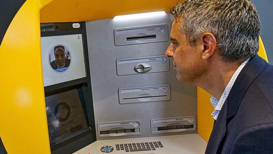 CaixaBank activa los primeros cajeros con reconocimiento facial en A Coruña