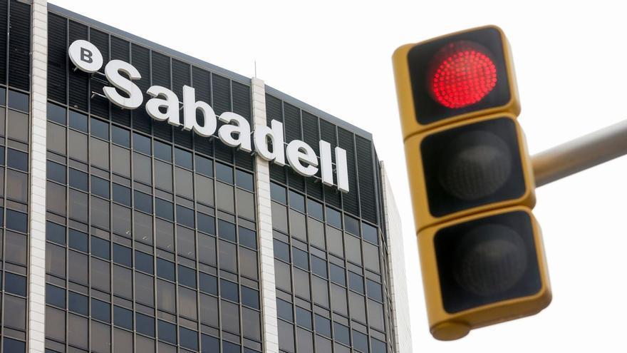 El 95% de la de la plantilla de Banco Sabadell en Aragón ha secundado la huelga, según CCOO