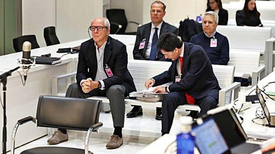 La Audiencia absuelve a la excúpula  de Caixanova por el crédito de Rivas