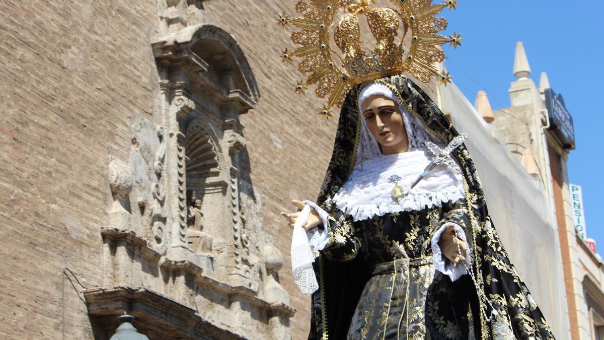La Semana Santa tendrá que quedarse nuevamente en el interior de los templos