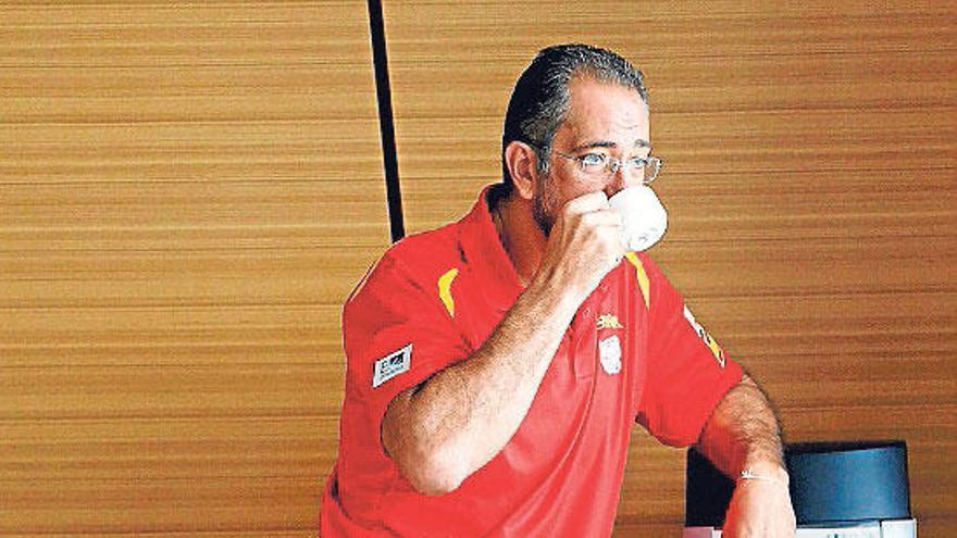 Todo a una carta para España