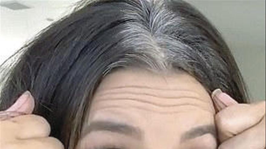Eva Longoria dirige y protagoniza su primer anuncio: así se tiñe las canas