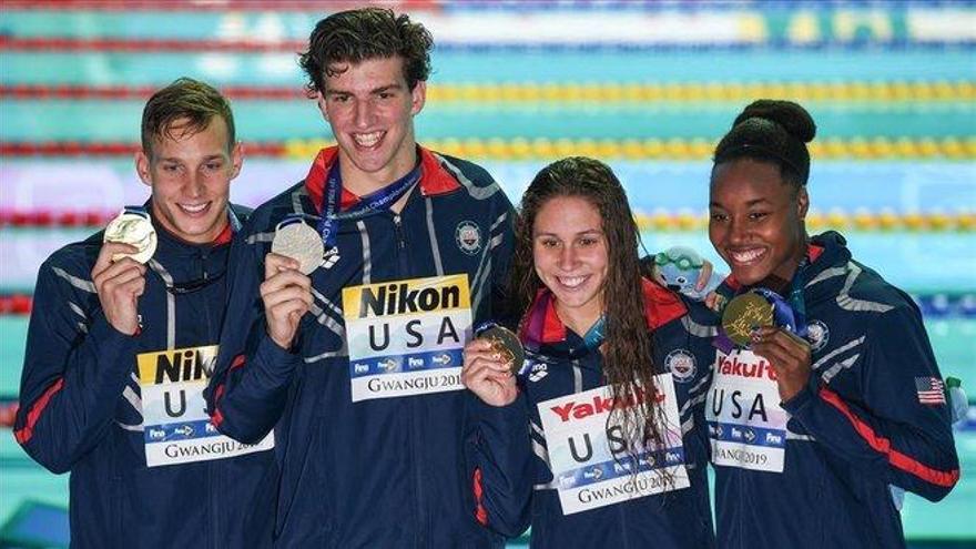 Dressel, dos oros en 34 minutos y un récord del mundo