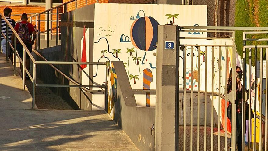 Dos semanas sin conserjes en un instituto de Alicante con más de 600 alumnos