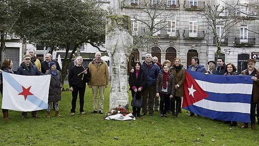 Vigueses y cubanos, unidos en la ofrenda a José Martí