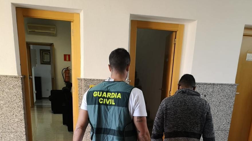 La Guardia Civil detiene en Novelda a cuatro implicados en el atropello de un joven