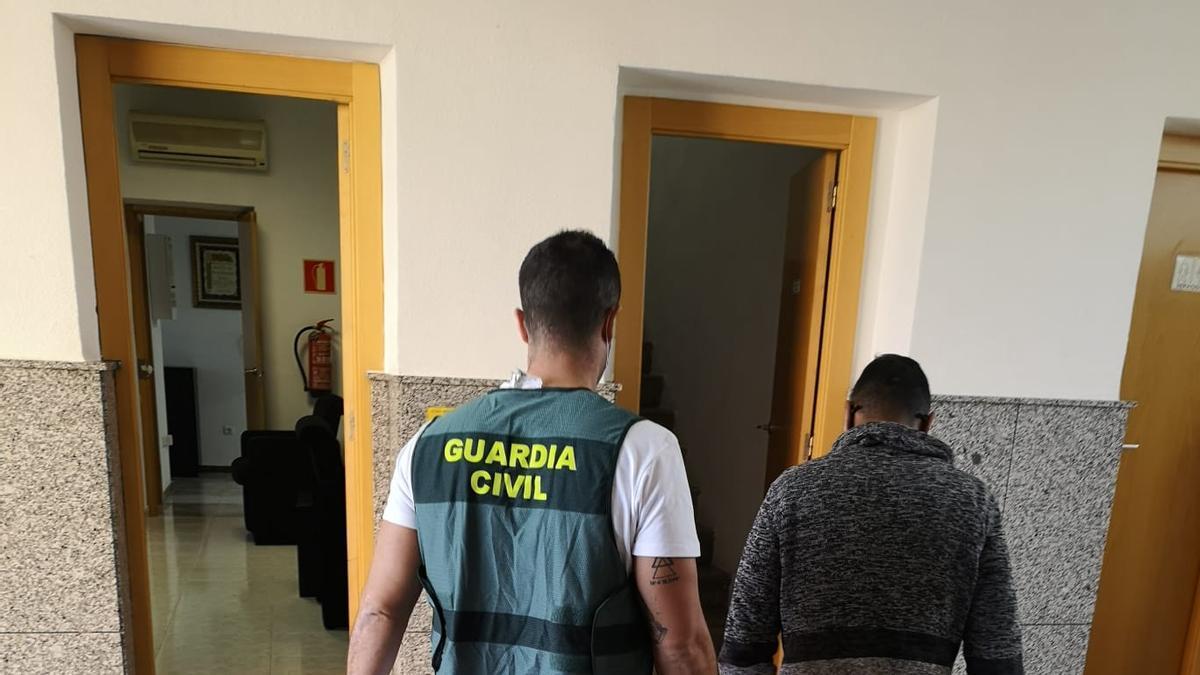 Uno de los detenidos por atropellar a un joven en Novelda