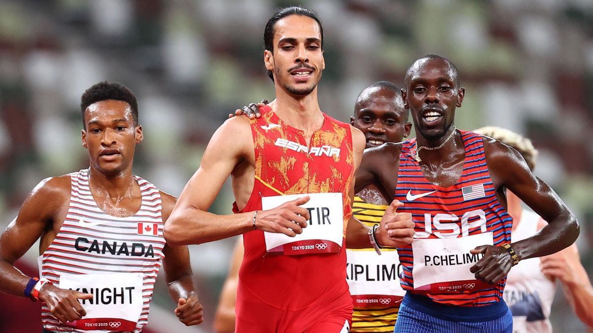 El atleta del Playas, Mo Katir, logra el mejor tiempo en la prueba de 5.000 metros y estará en la final