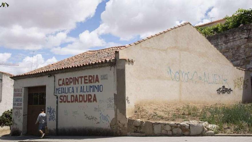 El edificio expropiado en la zona de San Martín, ayer.