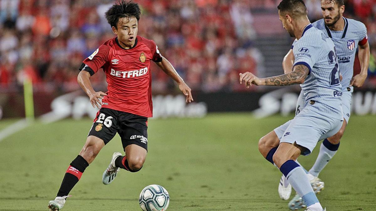 Take Kubo en un encuentro con el Mallorca de la temporada 2019/20.   MANU MIELNIEZUK