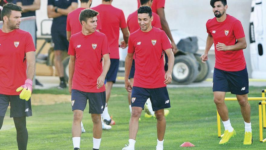 Jesús Navas regresa al Sevilla y firma por cuatro años