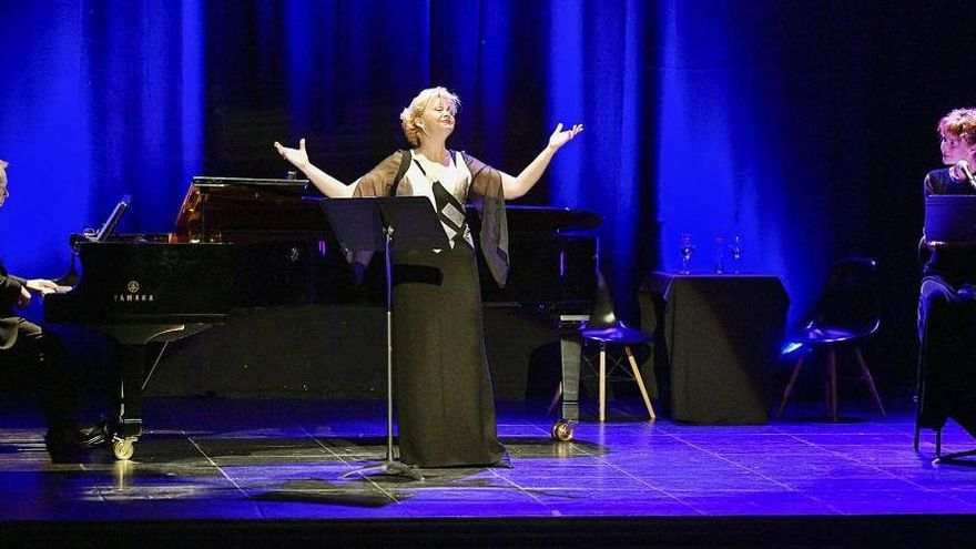 Mireia Pintó desplega el talent per reivindicar les dones en la música